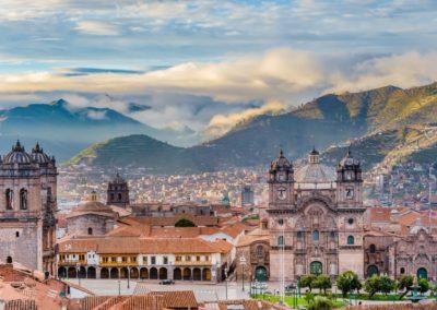 2 Vue sur la Plaza de Armas de Cuzco devant les Andes Unesco