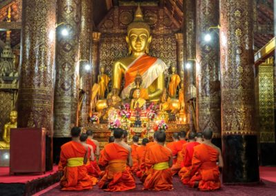 5 Meditation de moines au Wat Xieng Thong