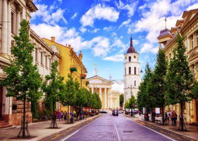 6 Avenue Gediminas vers la place de la cathedrale Unesco