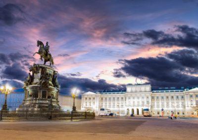 Nuit blanche a Saint Petersbourg Statue de Pierre le Grand